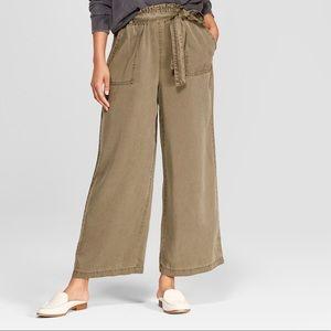 Universal Thread Wide Crop Pants